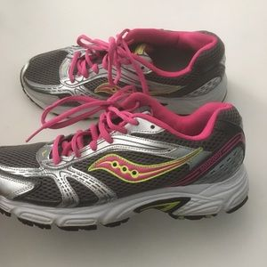 Saucony Oasis womens 10 sneakers